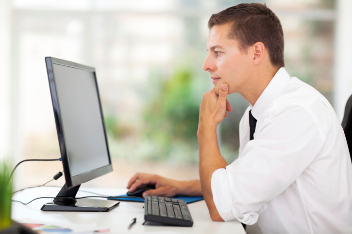 how to find and hire the best outsourced service payroll provider