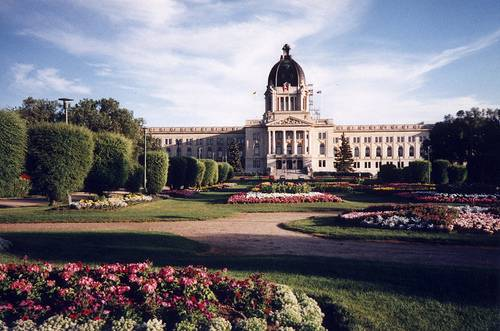 Saskatchewan Employee Stats and Vacation Pay Entitlements